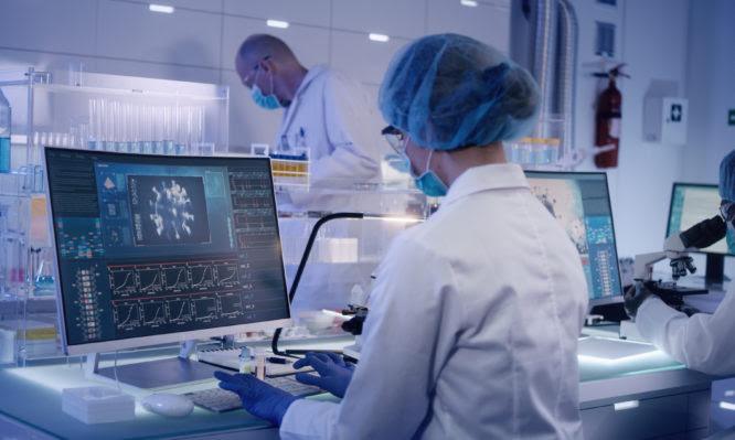 Ελληνική μελέτη: Νέα θεραπεία βελτιώνει έως και 64% τα συμπτώματα πνευμονίας από Covid-19 στους ασθενείς