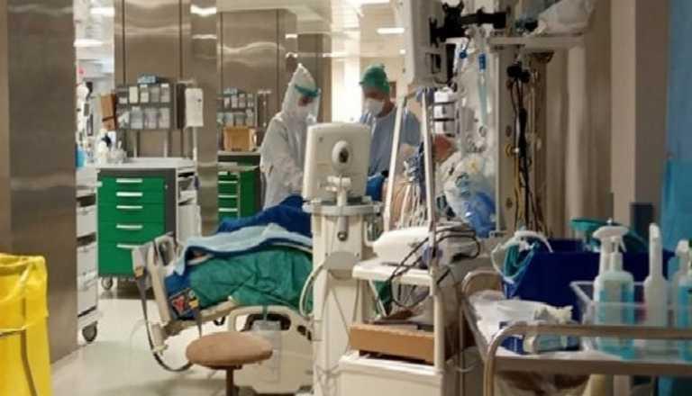 Τζάνειο: Ώρες αγωνίας για την 34χρονη από την Ηλεία που έπαθε εγκεφαλική αιμορραγία μετά από AstraZeneca