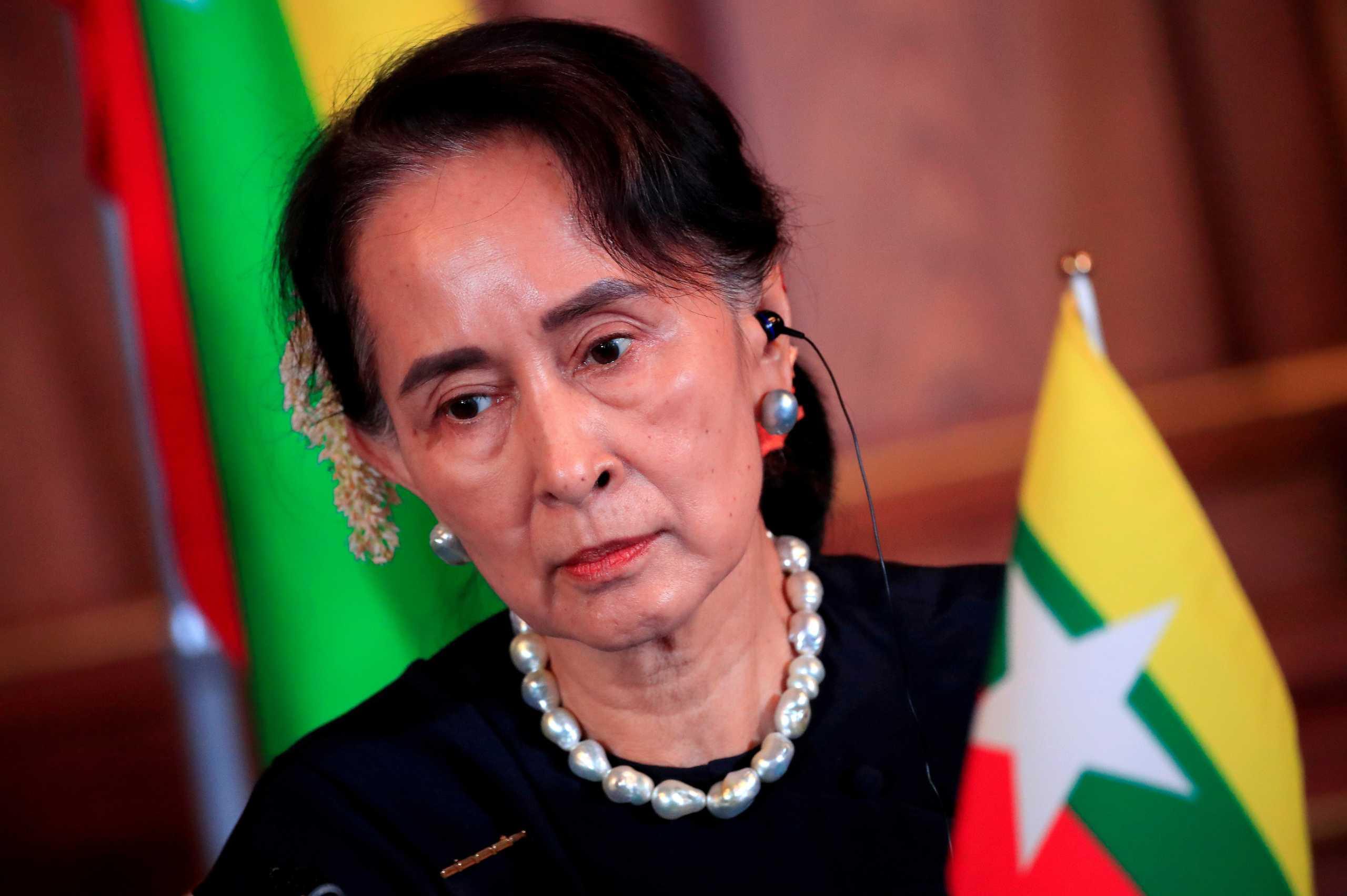 Μιανμάρ: Η Σου Τσι εμφανίστηκε για πρώτη φορά από το πραξικόπημα της 1ης Φεβρουαρίου