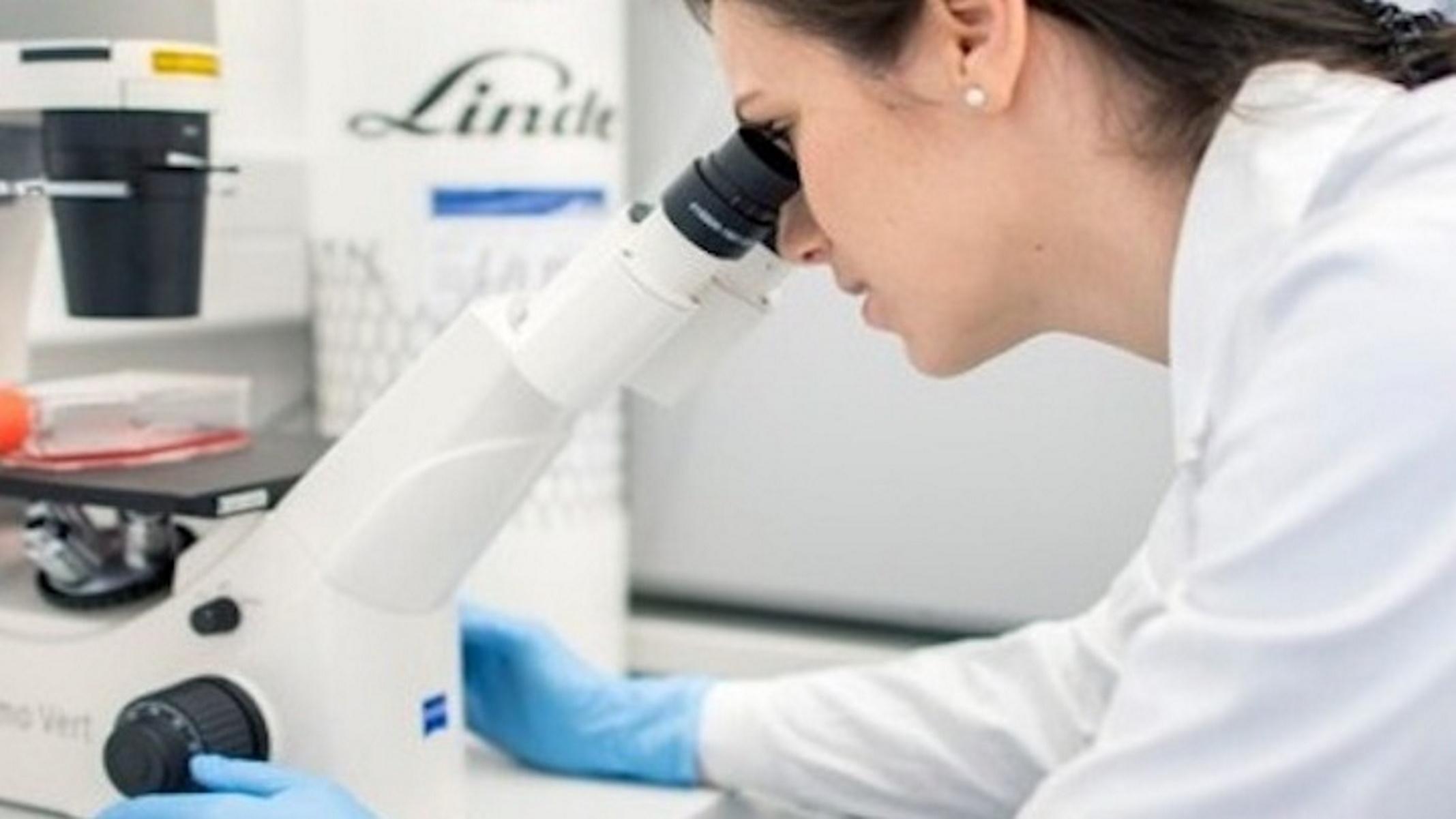Έρευνα ΕΚΠΑ: Οι νυχτερινές βάρδιες αυξάνουν την πιθανότητα ακανόνιστης περιόδου στις γυναίκες