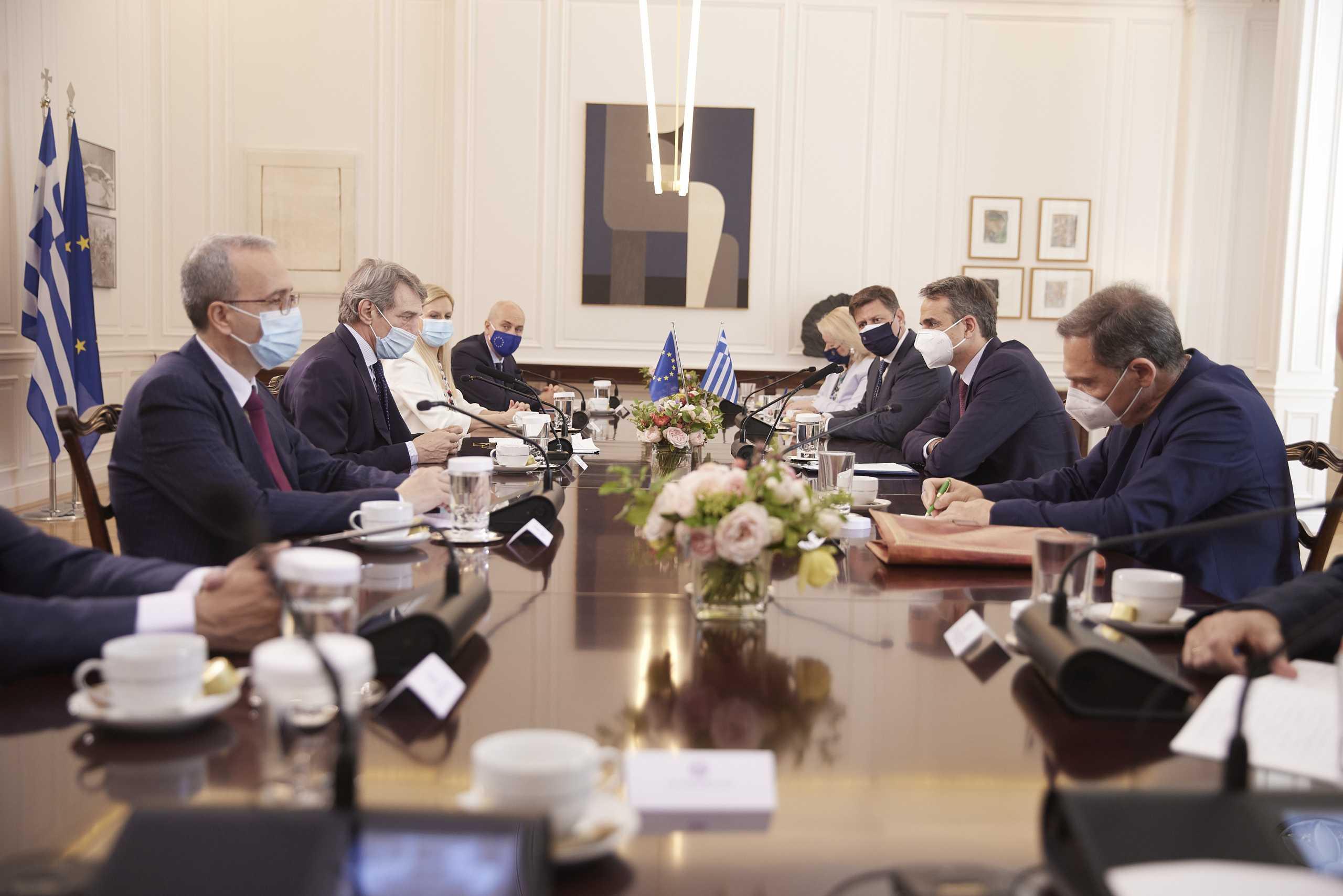 Μητσοτάκης – Σασόλι: Να είναι μόνιμο το Ταμείο Ανάκαμψης – «Καρφιά» του Πρωθυπουργού για την Τουρκία
