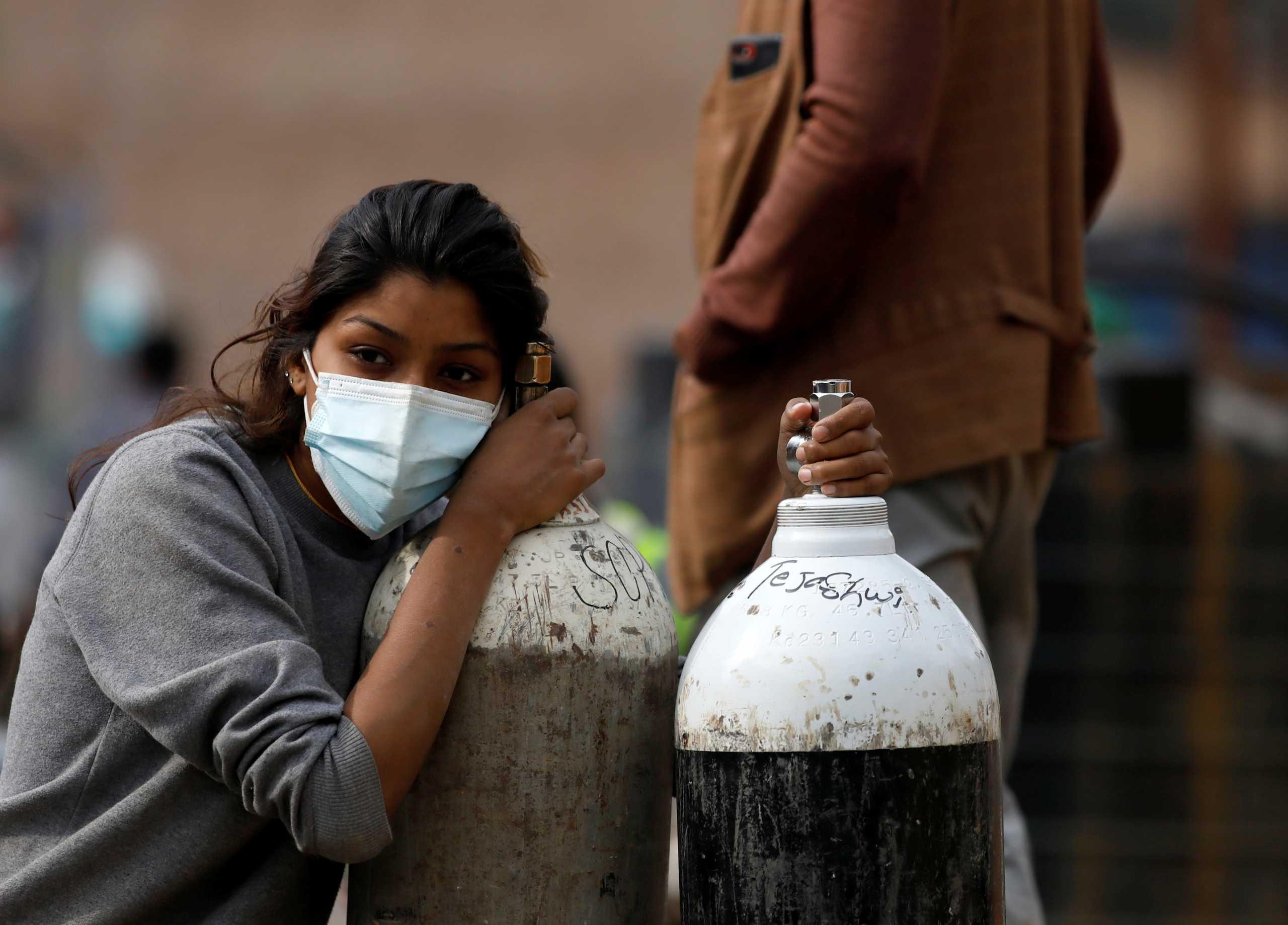 Κορονοϊός: Το Νεπάλ ζητά πίσω τις φιάλες οξυγόνου από τους ορειβάτες του Έβερεστ