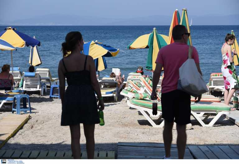 «Κοκκινίζουν» επικίνδυνα τα δημοφιλή νησιά – 3 στα 4 κρούσματα σχετίζονται με κορονοπάρτι