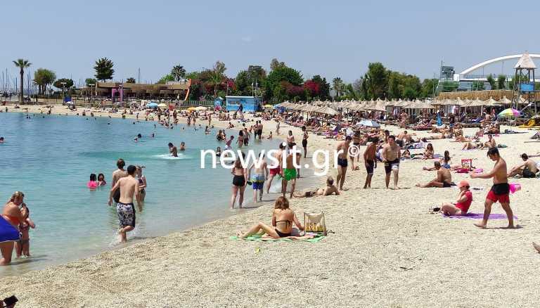 «Βουτιές» με ασφάλεια αλλά και τσουχτερές τιμές στις οργανωμένες παραλίες