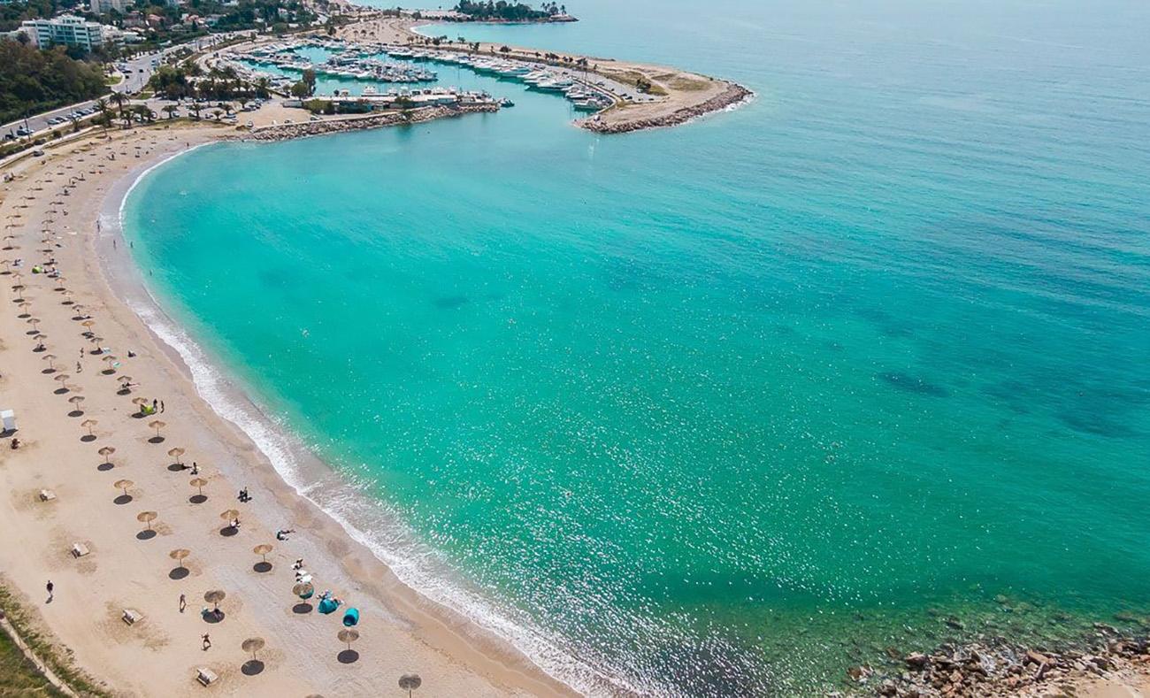 Οι 15 παραλίες της Αττικής με Γαλάζιες Σημαίες