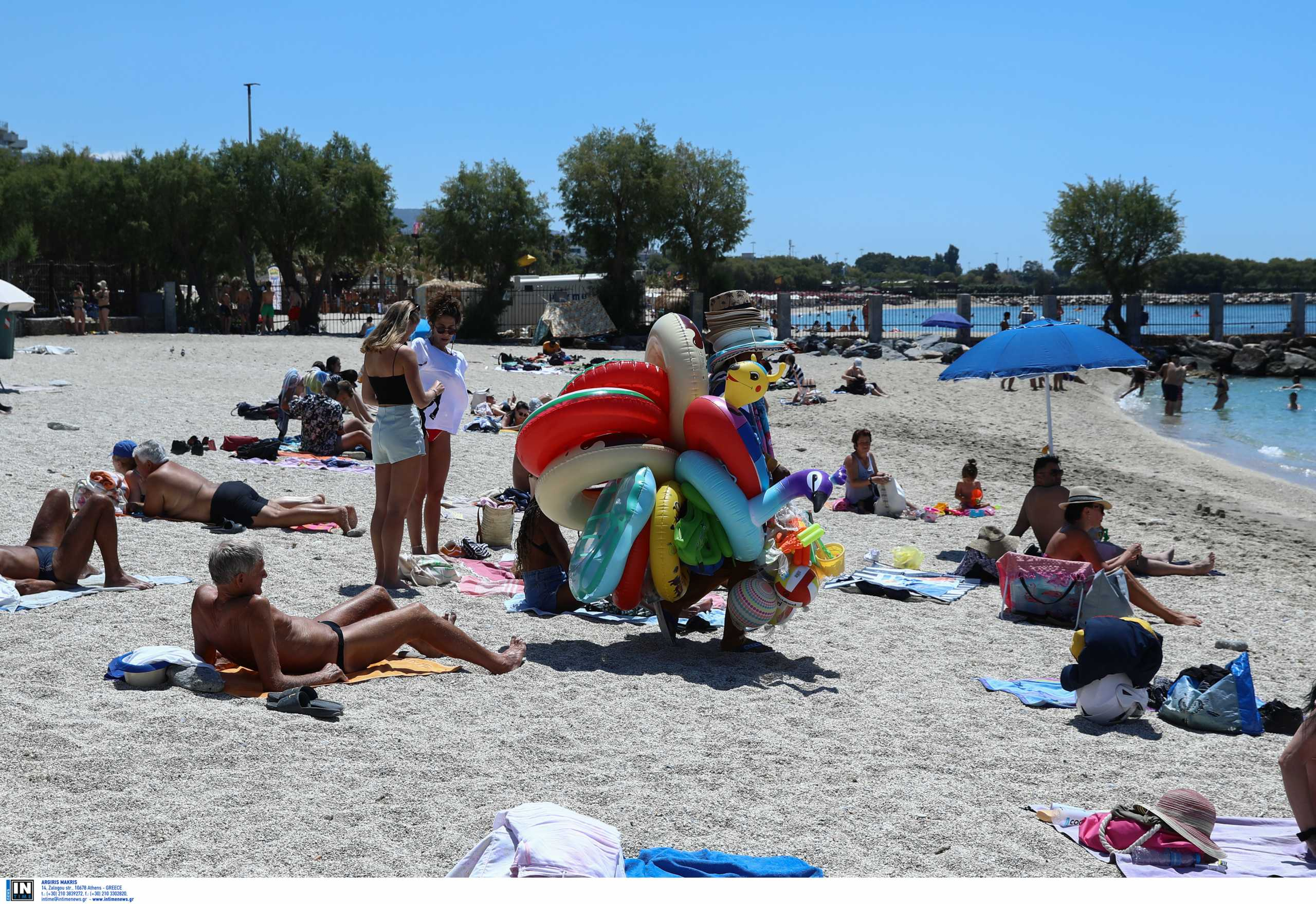 Κορονοϊός και μπάνιο στην παραλία: Πότε να φοράμε μάσκα (vid)