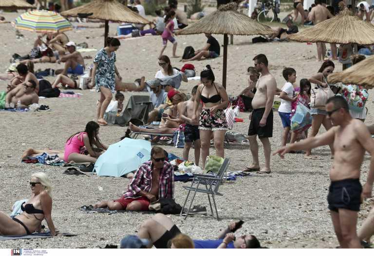 Αττική: Ανοίγουν οι παραλίες με μέτρα ασφαλείας - Τι λένε οι δήμαρχοι των παράκτιων περιοχών