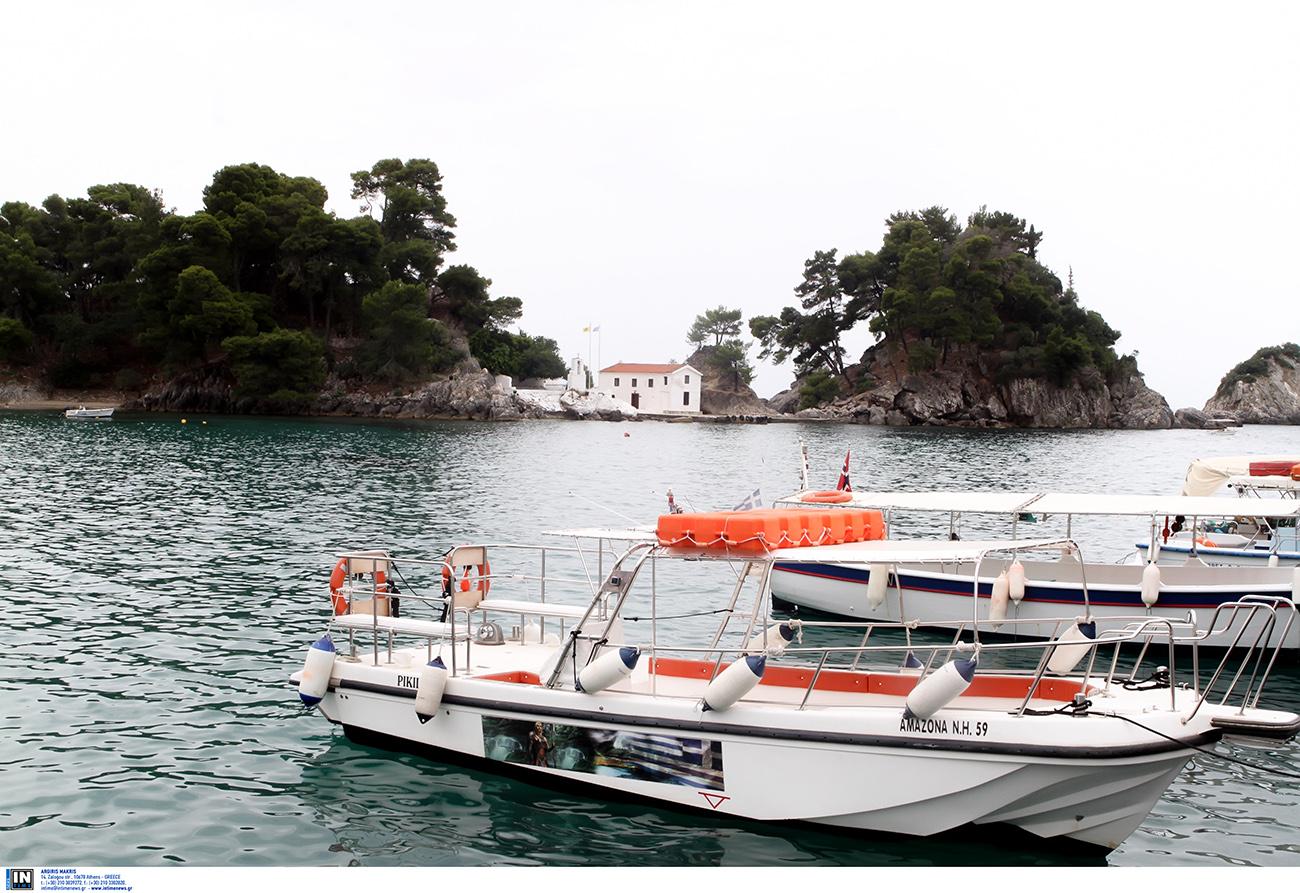 Η ελληνική νησίδα που έχει πάνω της μόνο ένα εκκλησάκι