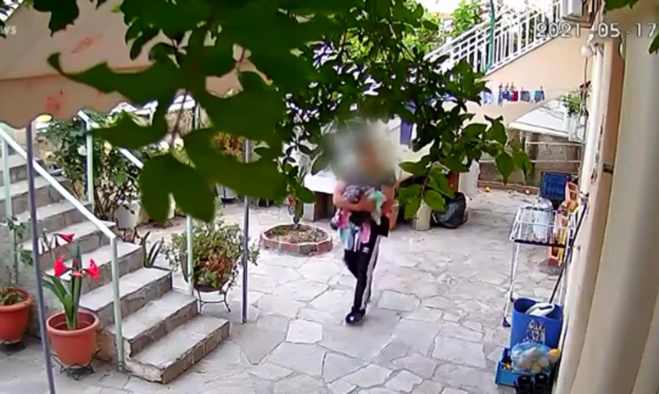 Απίστευτη κλοπή στην Πάτρα – Ο ληστής πήρε τη μπουγάδα και έφυγε (video)