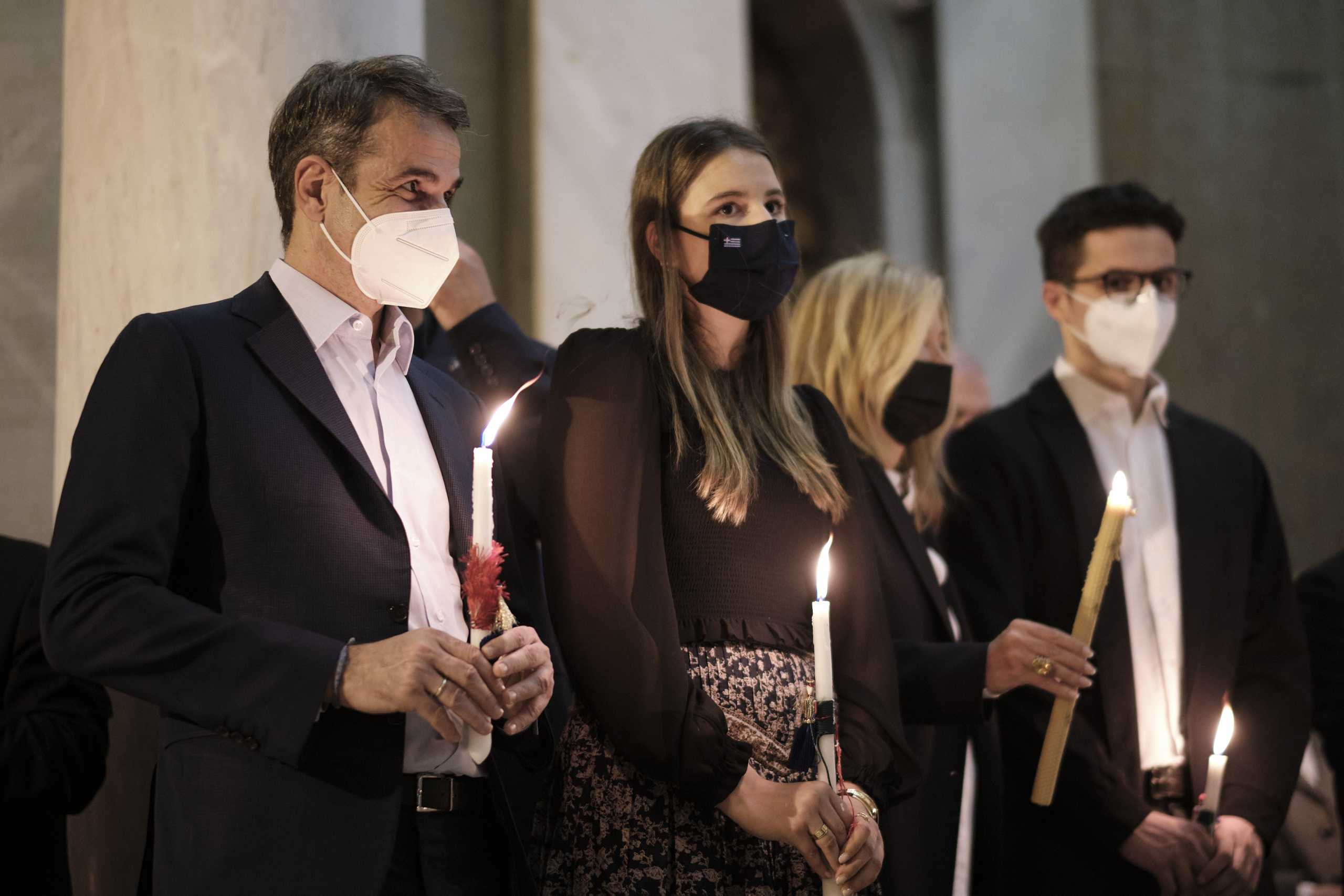 Κ. Μητσοτάκης: Το Θείο Φως γίνεται ήλιος αισιοδοξίας για την έξοδο από την παγκόσμια περιπέτεια της πανδημίας