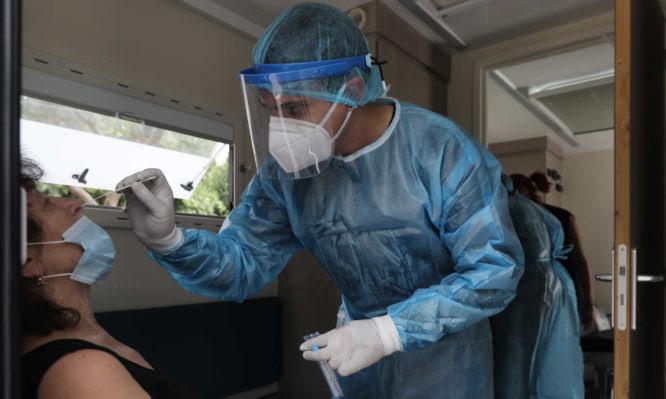 Νοσοκομειακοί γιατροί: «Πολυεργαλεία» οι εξαντλημένοι γιατροί στα δημόσια νοσοκομεία»