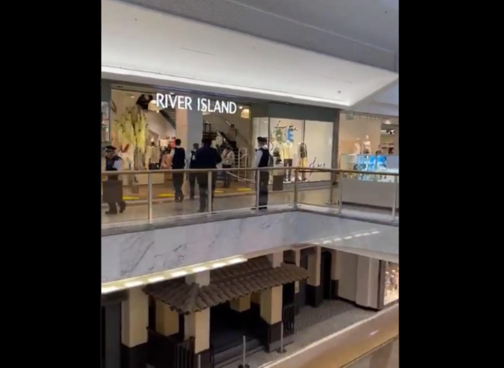 Επίθεση με μαχαίρι σε εμπορικό κέντρο του Λονδίνου – Ένας νεκρός