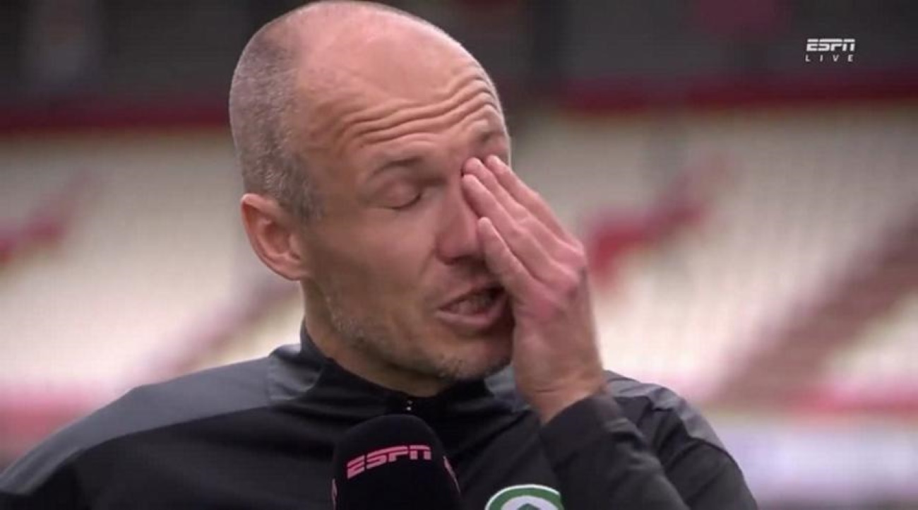 Συγκινητικός Ρόμπεν, επέστρεψε μετά από επτά μήνες, βγήκε MVP και δάκρυσε στην κάμερα
