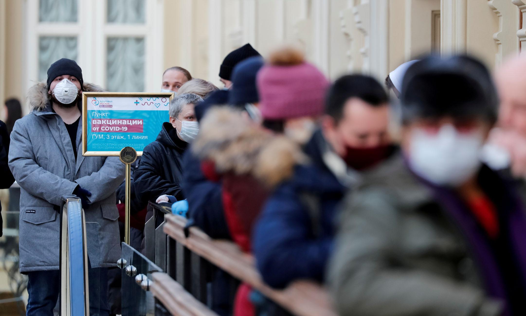 Ρωσία: 389 νεκροί και σχεδόν 9.000 νέα κρούσματα