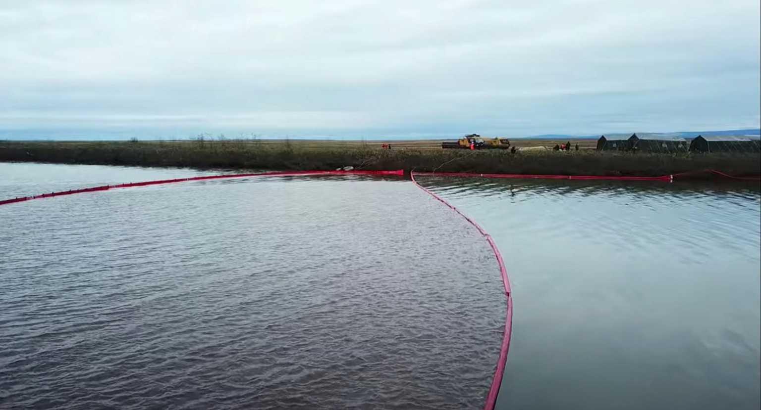 Ρωσία: Πετρελαιοκηλίδα 2.000 τ.μ. μετά από έκρηξη σε αγωγό στη χερσόνησο Γιαμάλ