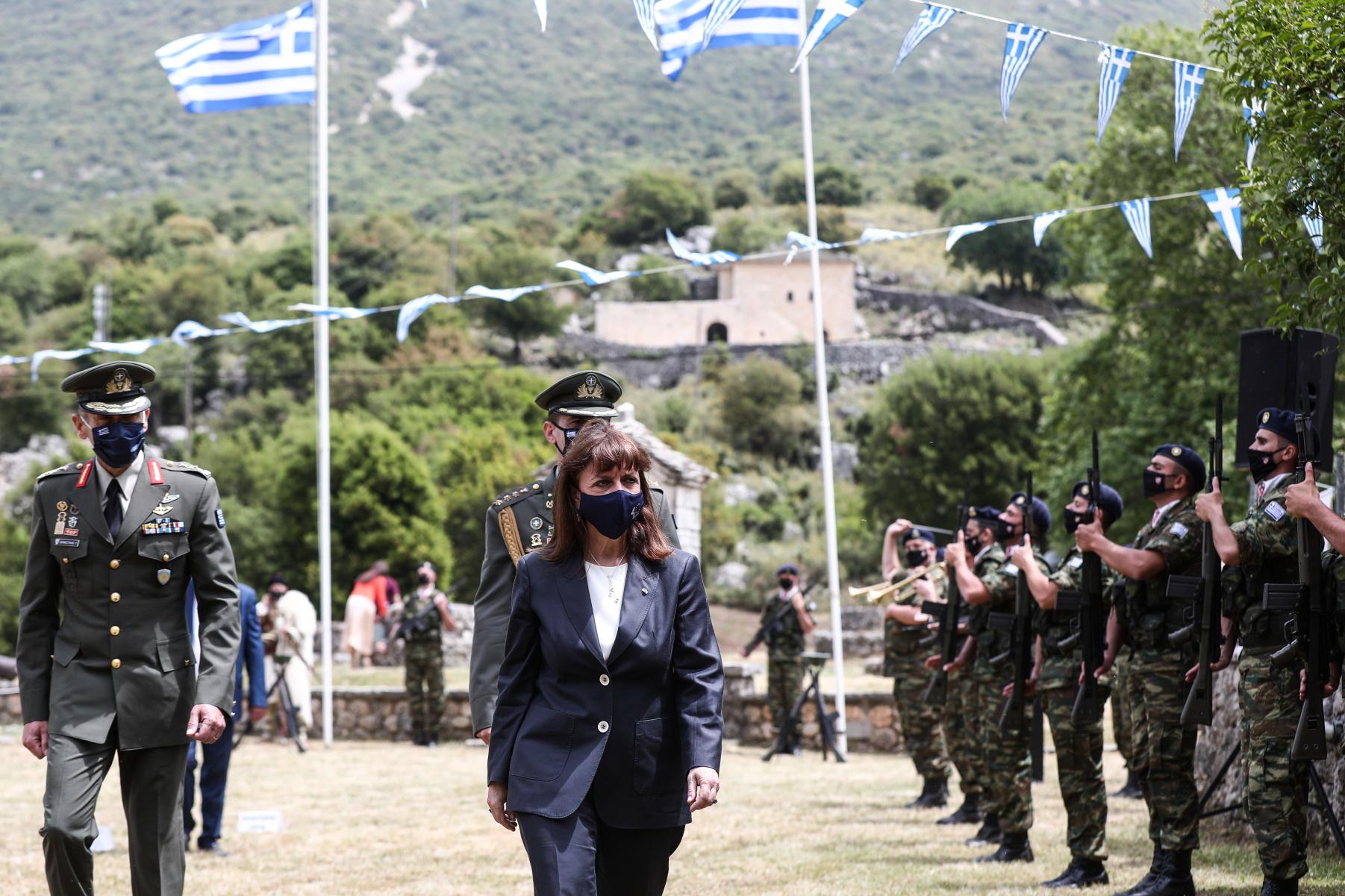 Κατερίνα Σακελλαροπούλου στο Σούλι: Διαχρονικό σύμβολο της Ελευθερίας (pics)