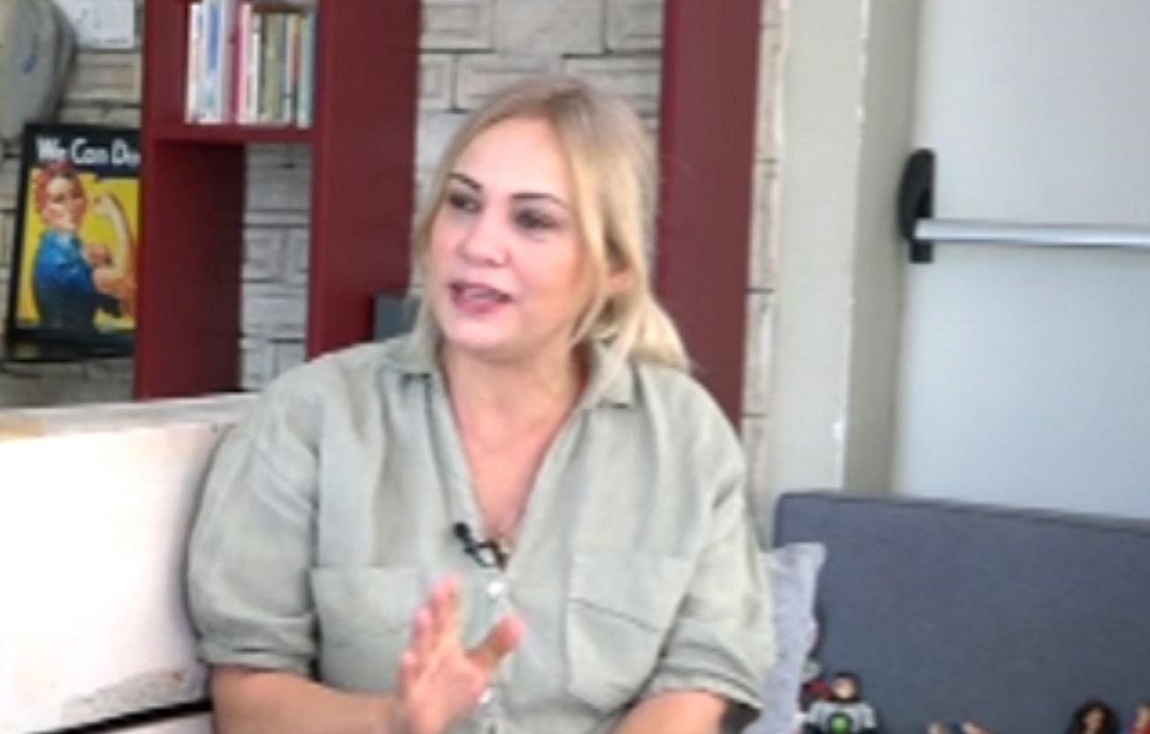 Λίνα Σακκά: «Δεν είμαστε από τις συνηθισμένες οικογένειες, έτσι έχω μάθει στον μικρό μου»