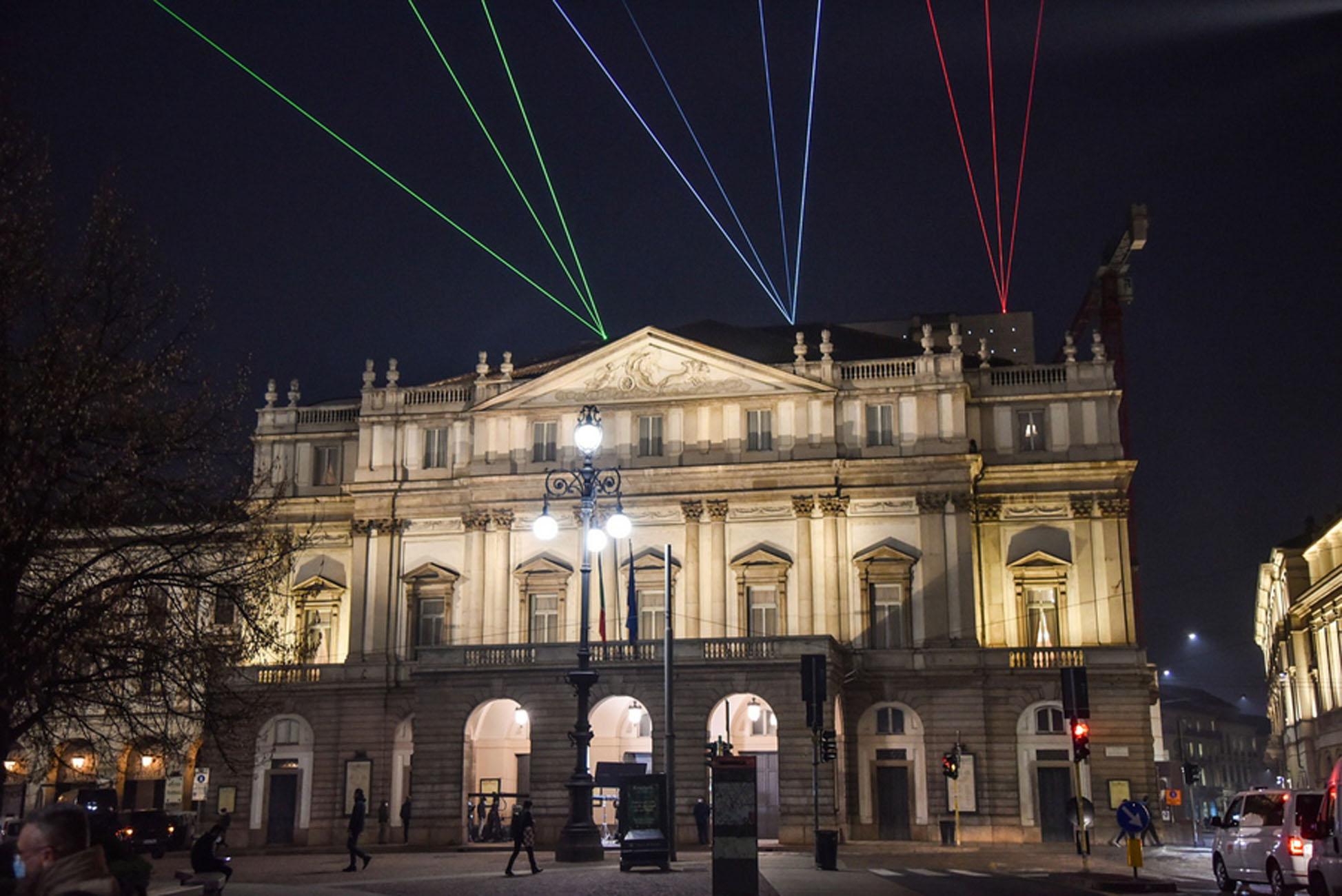 Ιταλία: Ανοίγει και πάλι σήμερα η «Σκάλα του Μιλάνου» με 500 τυχερούς θεατές