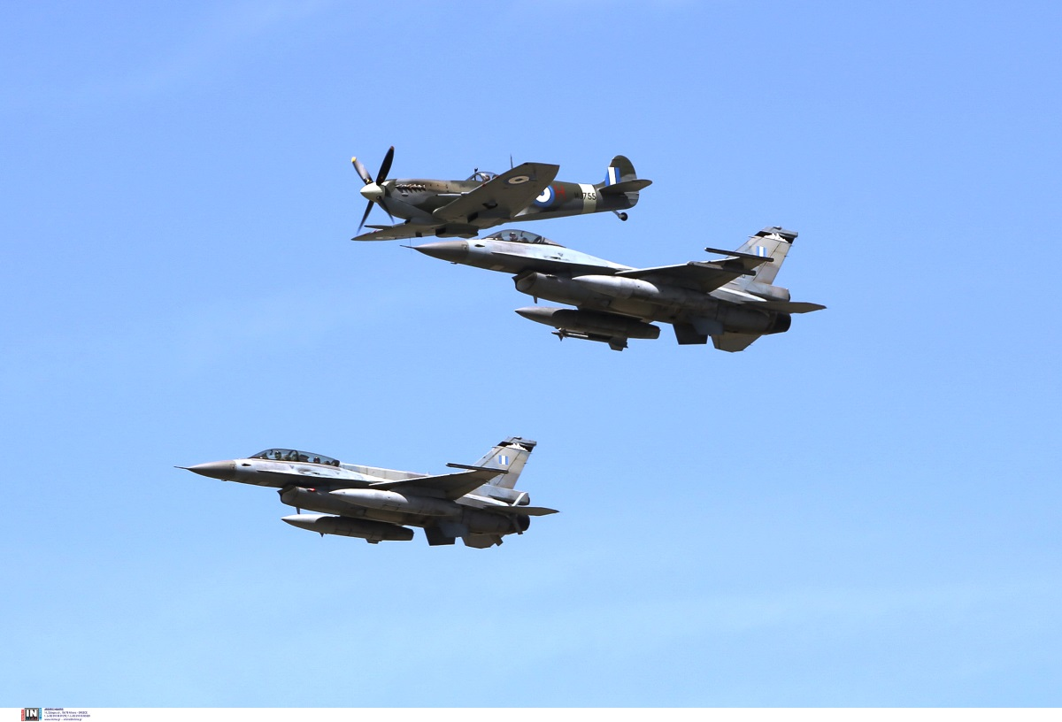 Spitfire: Επέστρεψε «σπίτι του» το θρυλικό αεροσκάφος του Β' Παγκοσμίου Πολέμου [pics]