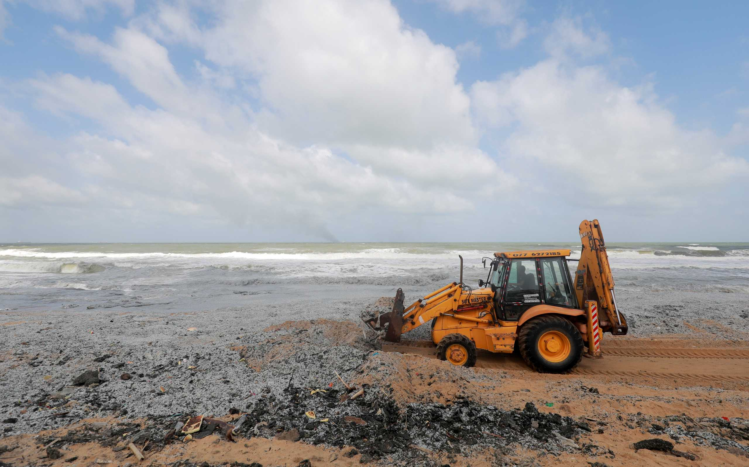 Σρι Λάνκα: Εκατομμύρια τόνοι πλαστικού απειλούν να γεμίσουν τις παραλίες της (pics)