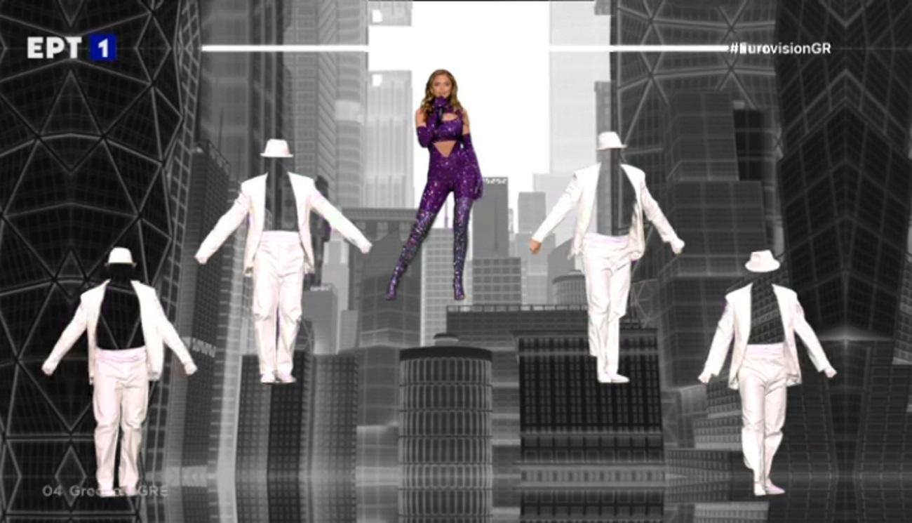 Eurovision 2021: Αυτή είναι η αλήθεια για το απρόοπτο με το γάντι του χορευτή στην εμφάνιση της Στεφανίας
