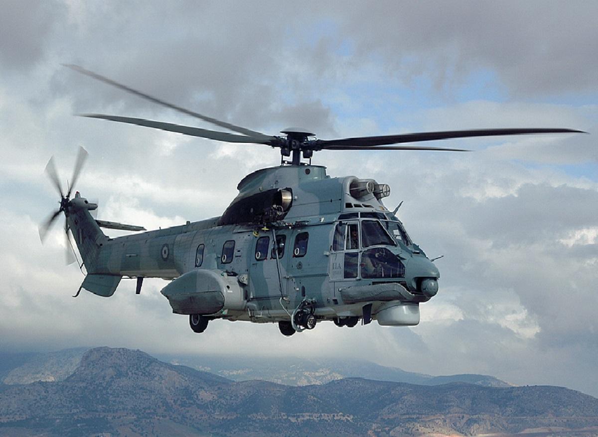 Πολεμική Αεροπορία: Super Puma διέσωσε χειριστή φουσκωτού στην Ικαρία