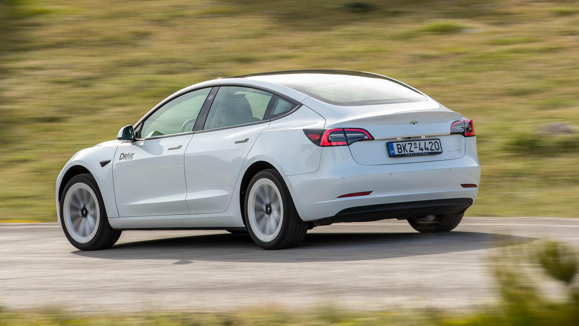 Tesla Model 3: Δοκιμάζουμε το πιο πολυσυζητημένο αυτοκίνητο της δεκαετίας! (video)