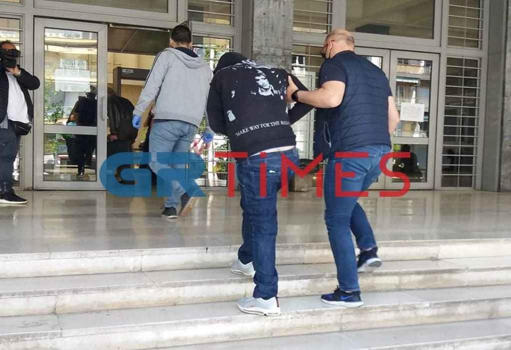 Θεσσαλονίκη: Ισόβια στον 39χρονο που τεμάχισε και έκαψε τη φίλη του – Η φρικιαστική του απολογία