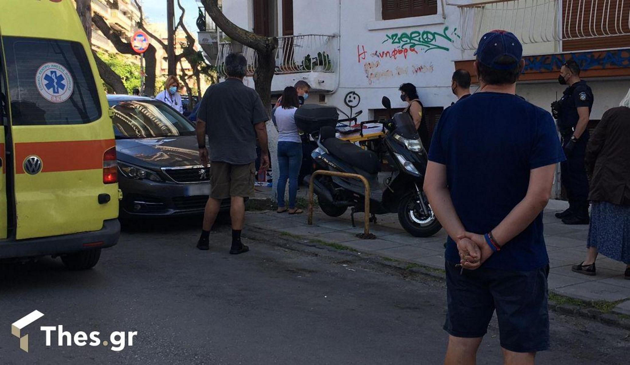 Θεσσαλονίκη: Γυναίκα έπεσε από τον 2ο όροφο (pics, vid)