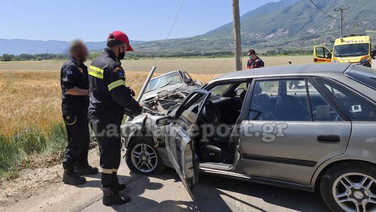 Λαμία: Σοβαρό τροχαίο με 4 τραυματίες – Αυτοψία στο σημείο της σύγκρουσης μετά το ατύχημα