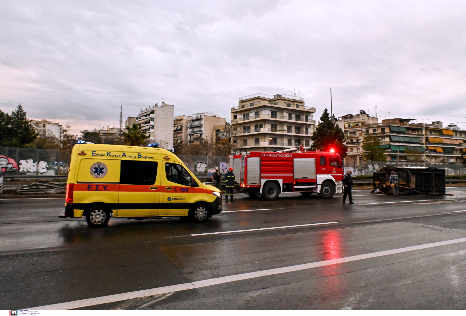 Λάρισα: Σύγκρουση αυτοκινήτου με φορτηγό – Σοβαρά τραυματισμένος  ένας 29χρονος