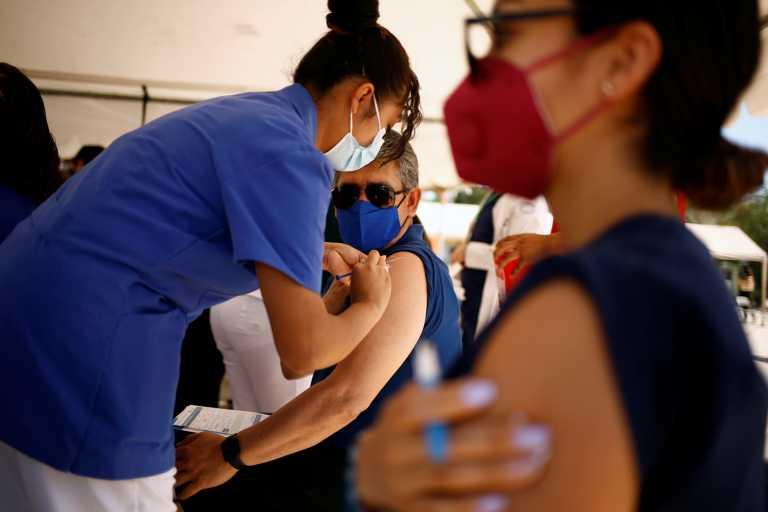 Εμβολιασμοί: Ανοίγει σήμερα η πλατφόρμα για τους 25-29