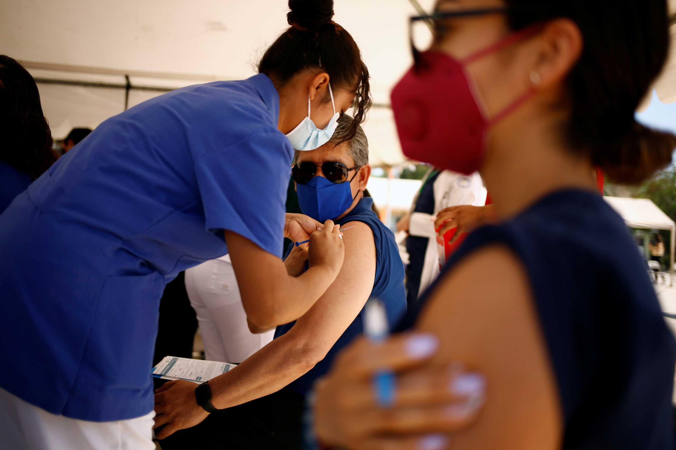 Ανεμβολίαστη ομολογεί: Ψάχνω «λαμόγιο γιατρό» να μου δώσει πλαστό πιστοποιητικό