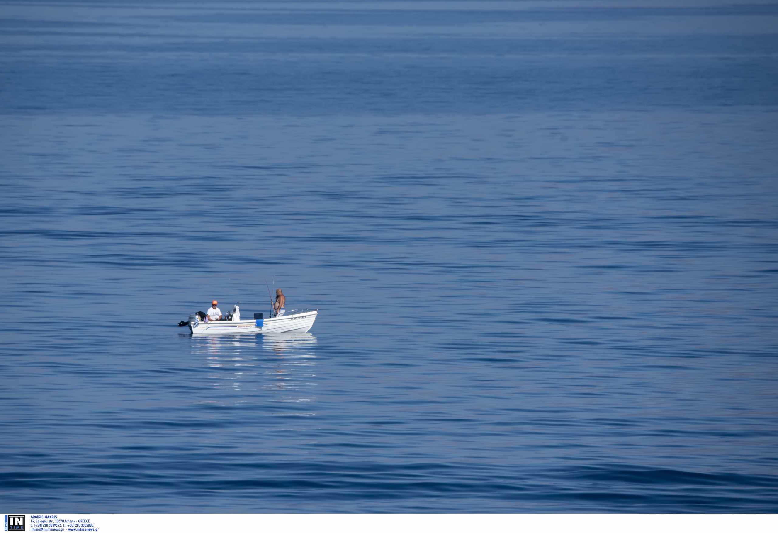 Σέρρες: Θρίλερ με αγνοούμενο ψαρά – Σε κατάσταση σοκ η γυναίκα του που ήταν μαζί του στη βάρκα (video)