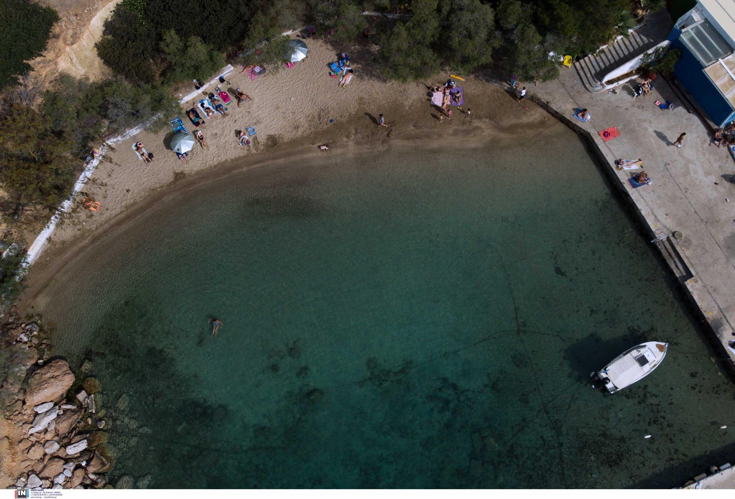 Βουλιαγμένη: Βρέθηκε περίστροφο στα βράχια της παραλίας