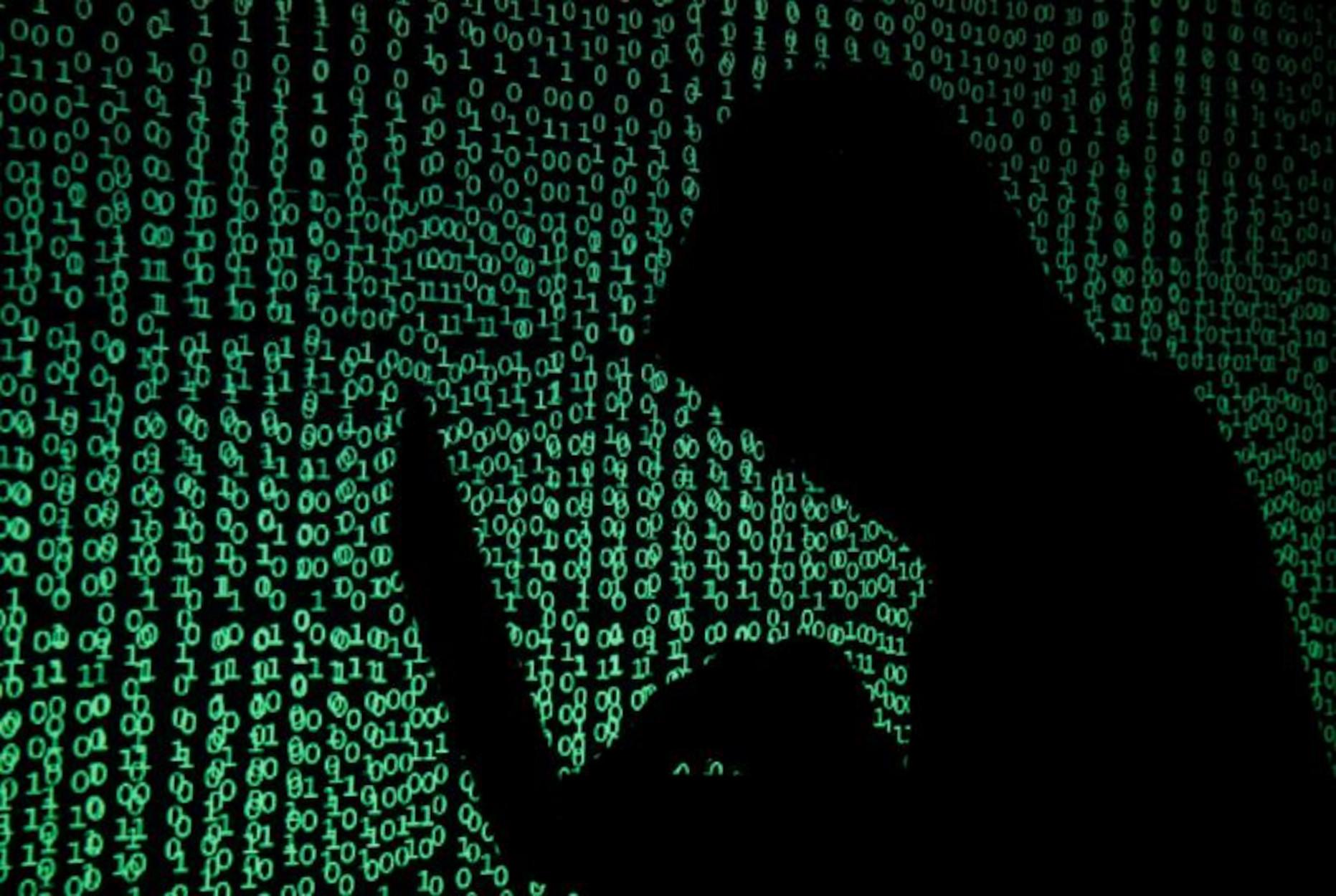 Έκλεβαν κωδικούς μέσω ίντερνετ και «ξάφριζαν» κάρτες και λογαριασμούς