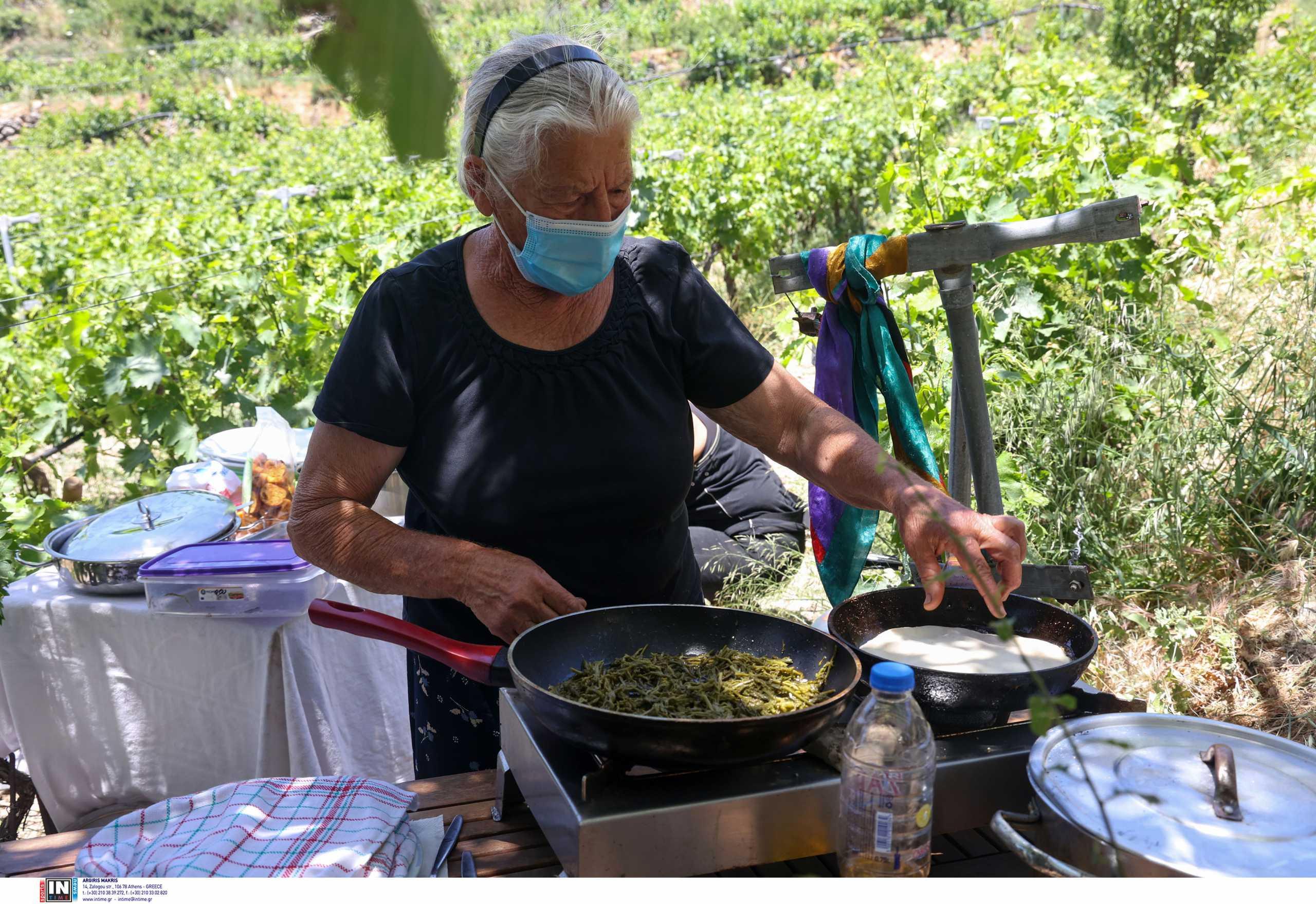 Κρήτη: Με όχημα το διάσημο νερό του – Βόλτα στο γραφικό χωριό που κερδίζει συνεχώς οπαδούς