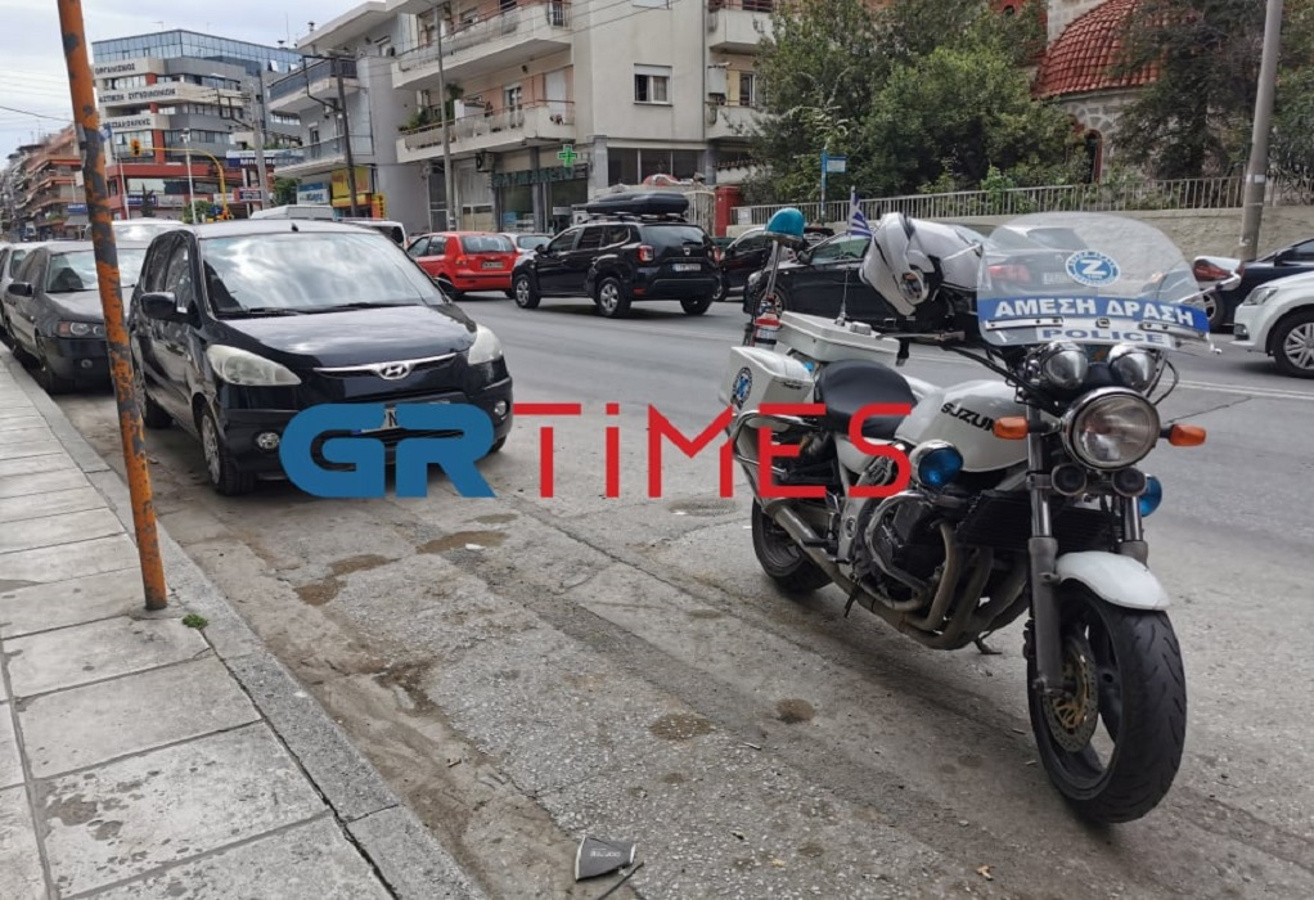 Θεσσαλονίκη: Του όρμηξαν έξι άτομα με ρόπαλα, τον έριξαν από την μηχανή και τον ξυλοκόπησαν