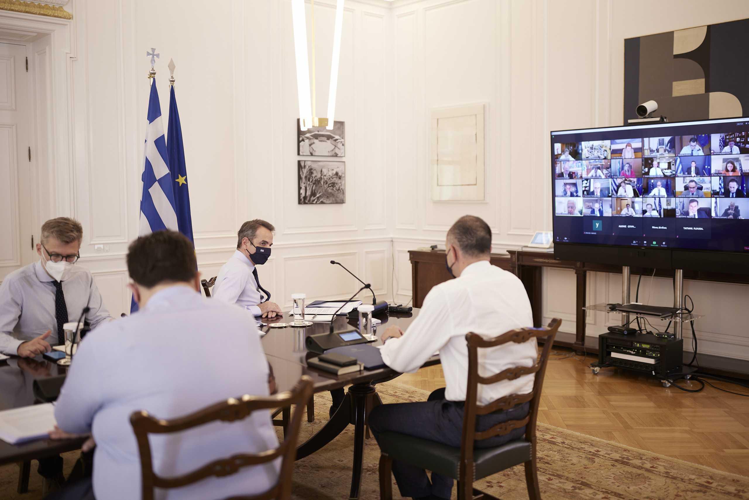 Μητσοτάκης – υπουργικό: Από αύριο σε ισχύ το Ψηφιακό Πιστοποιητικό