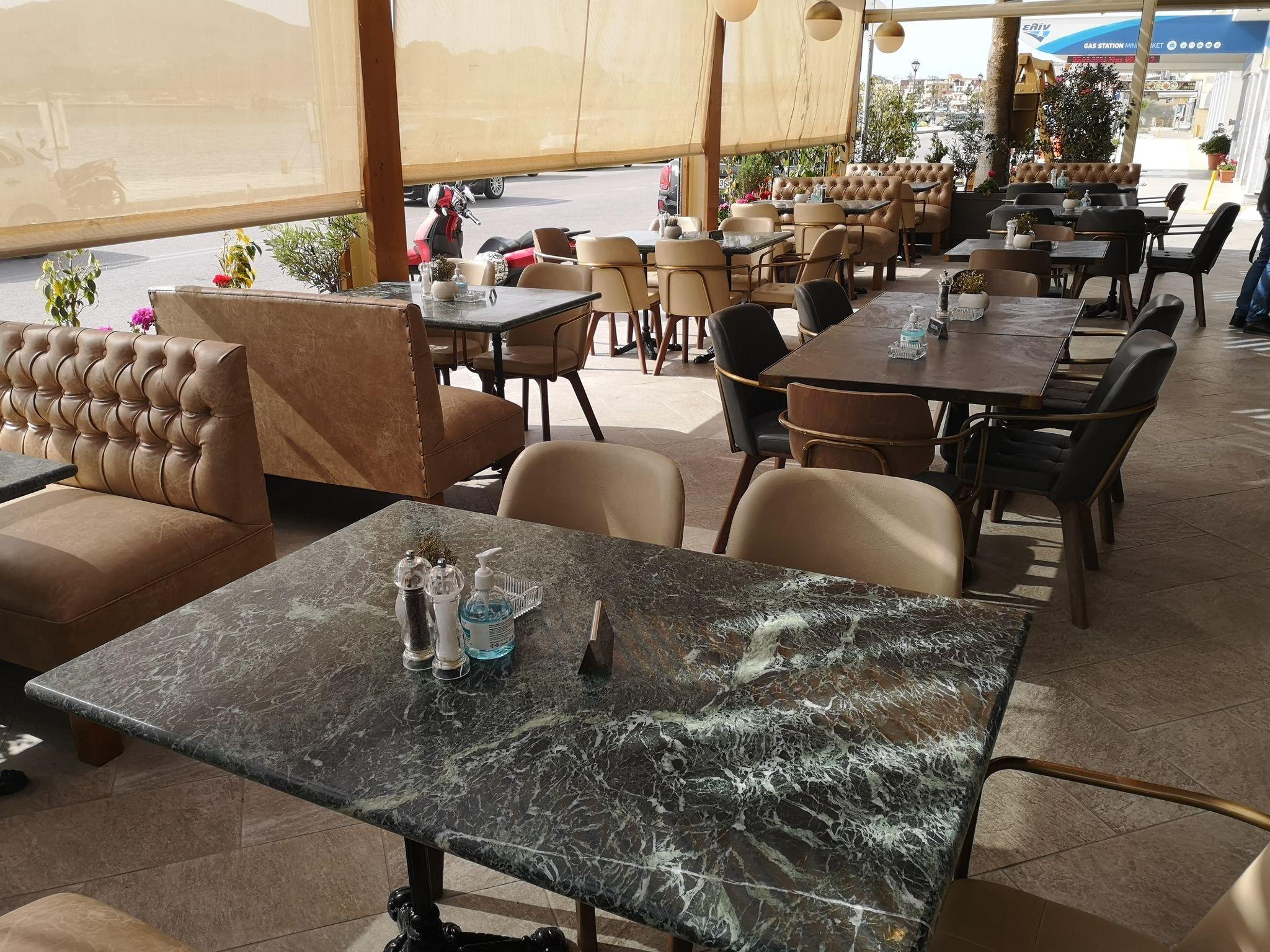 Ζάκυνθος: Έτσι άνοιξαν εστιατόρια και καφετέριες – Τι ενοχλεί τους ιδιοκτήτες (pic)