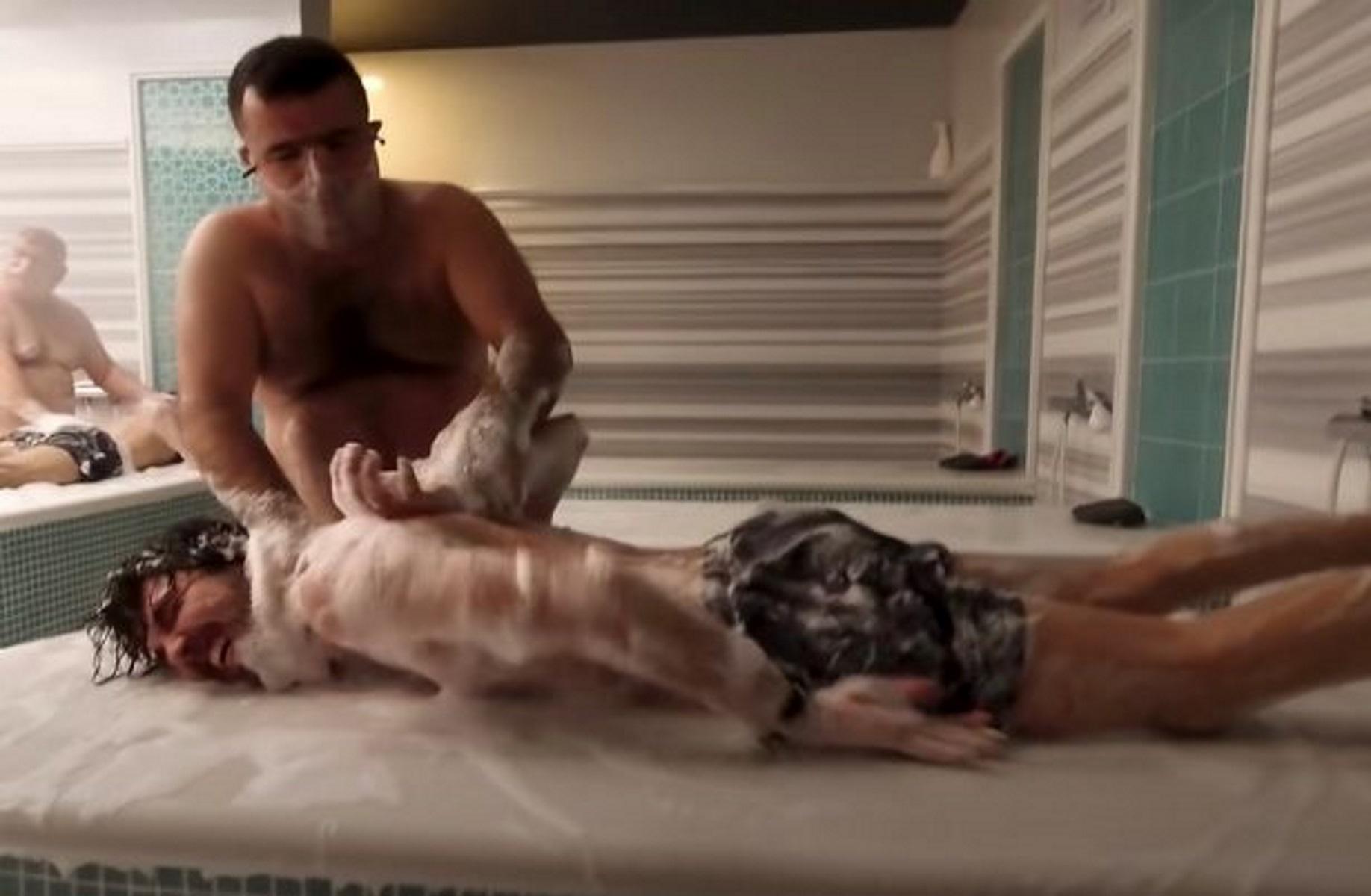Το μασάζ κατέληξε σε βασανιστήριο (video)