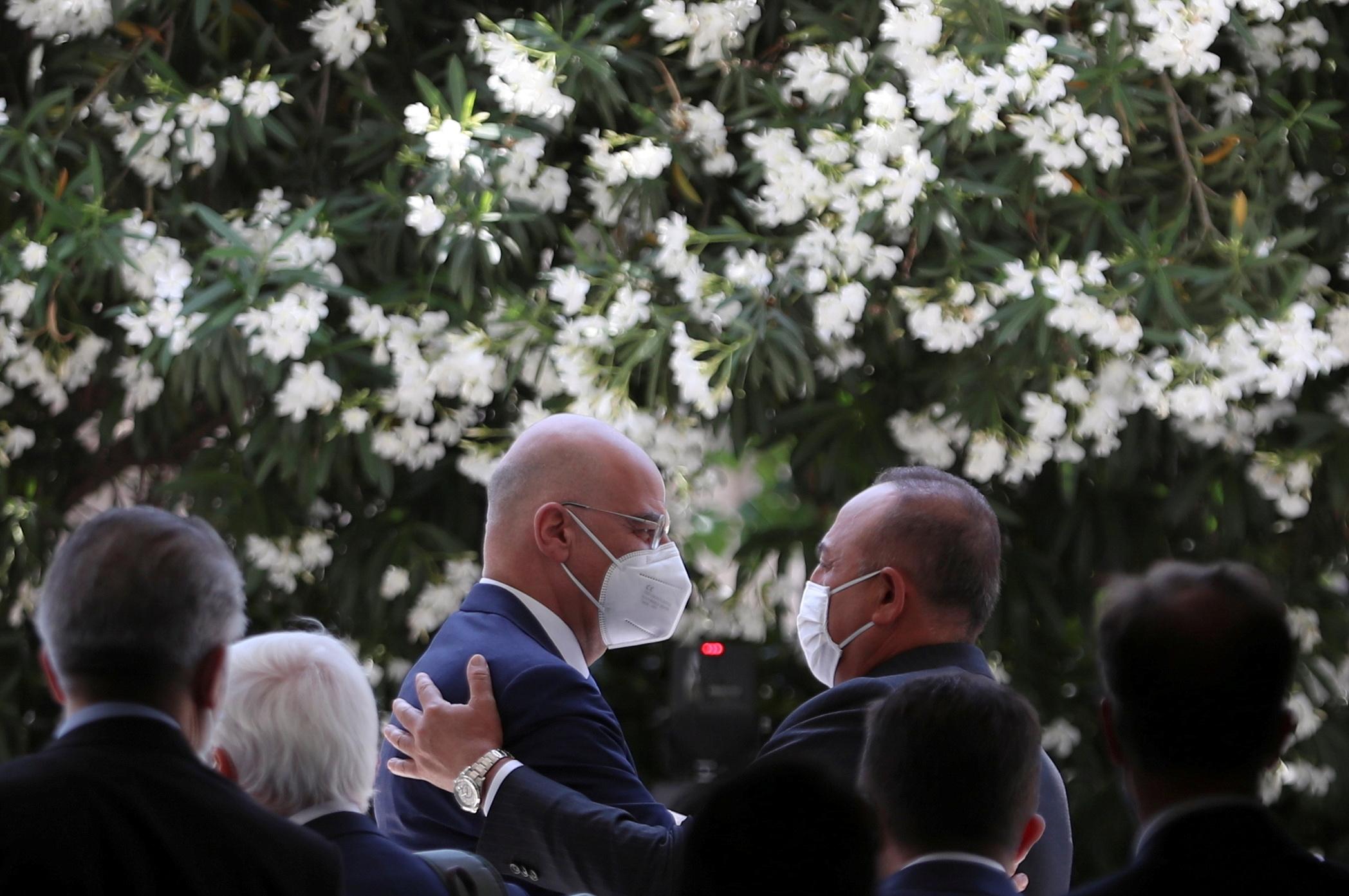 Γερμανία: Τι λέει ο Τύπος για το «συμφιλιωτικό κλίμα» στην επίσκεψη Τσαβούσογλου