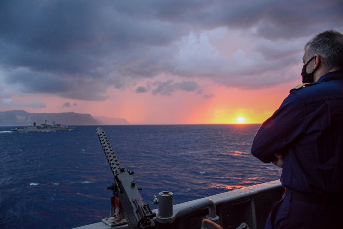 Εντυπωσιακές εικόνες από την άσκηση «ΛΟΓΧΗ» του Πολεμικού Ναυτικού [pics, vid]