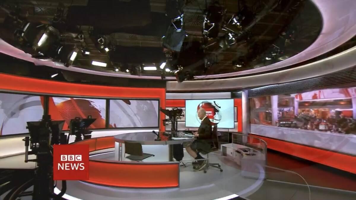 Επικό: «Λάθος» πλάνο «έκαψε» παρουσιαστή του BBC, Επικό: «Λάθος» πλάνο «έκαψε» παρουσιαστή του BBC – Φορούσε σορτσάκι κάτω από το κοστούμι! (vid, pic), Eviathema.gr   Εύβοια Τοπ Νέα Ειδήσεις