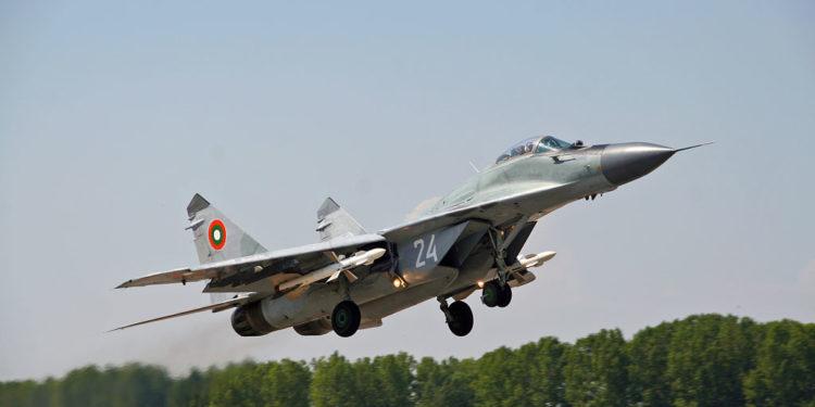 Τραγωδία στη Μαύρη Θάλασσα: Συντριβή βουλγαρικού μαχητικού MiG-29