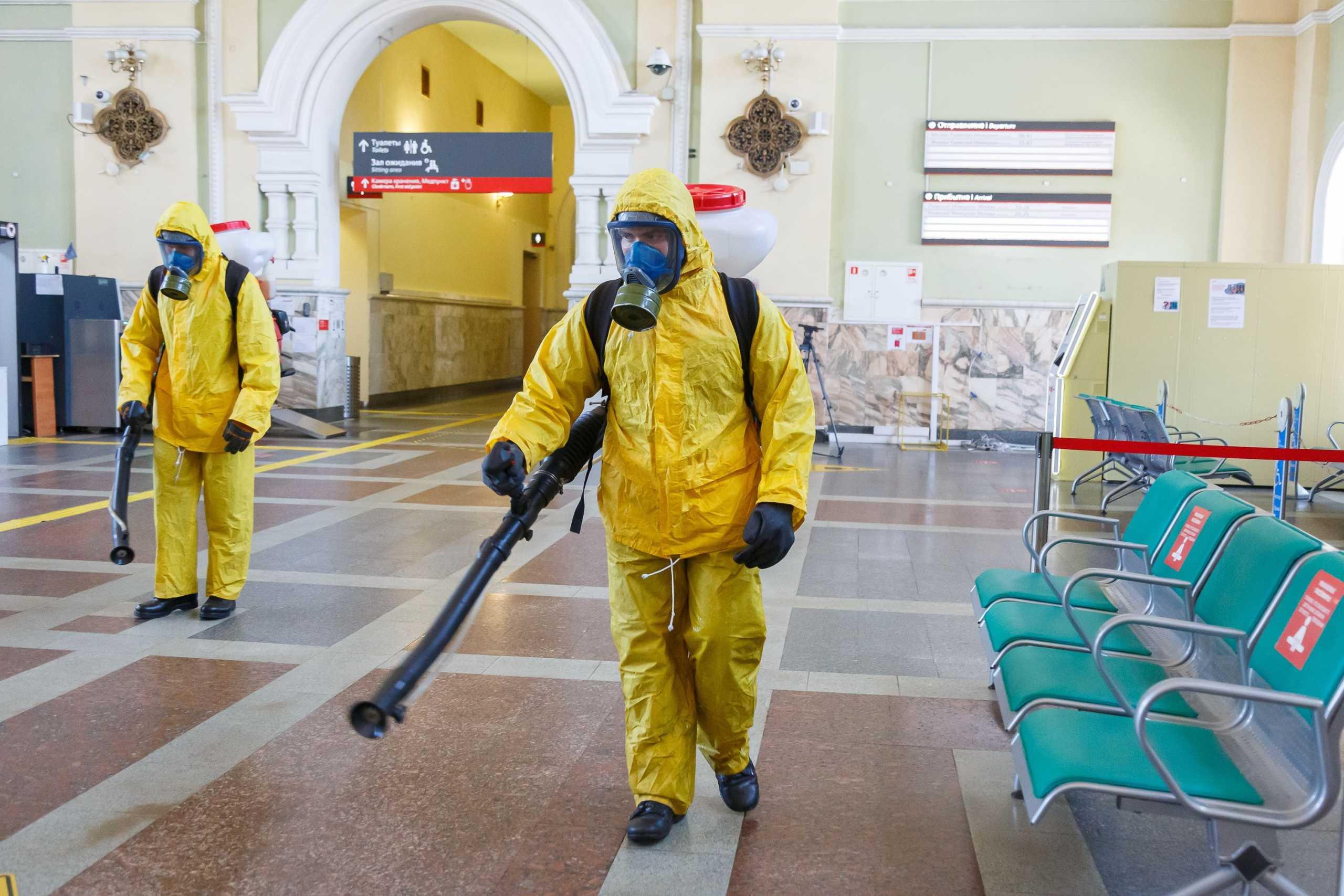 Κορονοϊός – Ρωσία: Το Κρεμλίνο προσπαθεί να δικαιολογήσει τη  νέα έκρηξη κρουσμάτων