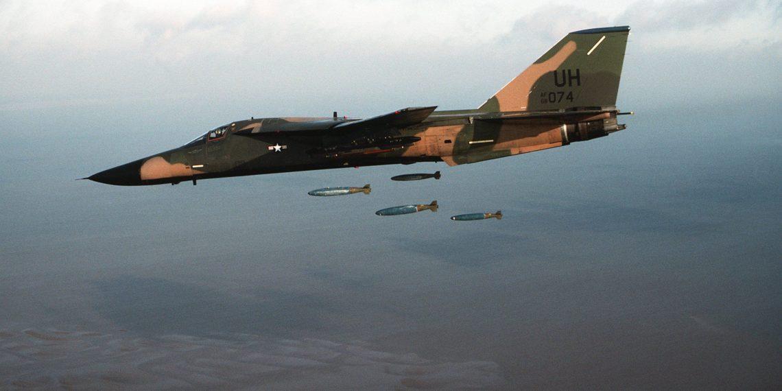 F-111: Το διαβόητο «γουρούνι» που άλλαξε τους συσχετισμούς ισχύος στην Ασία