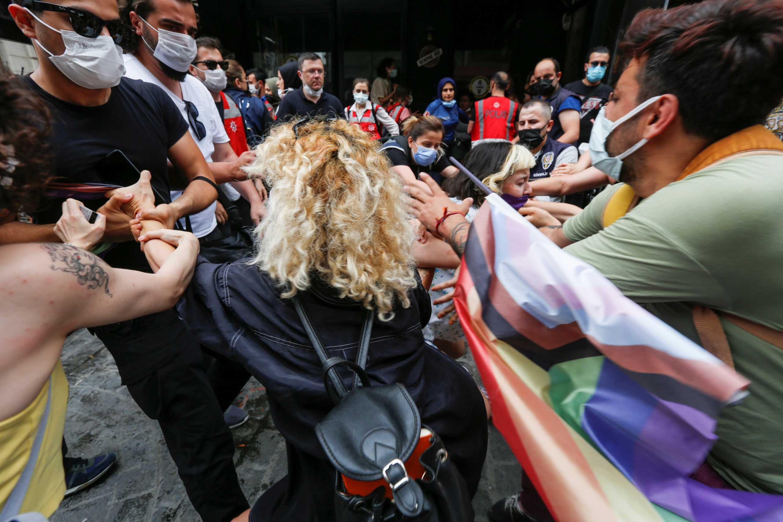 Τουρκία: Δακρυγόνα και συλλήψεις στην Πορεία Υπερηφάνειας