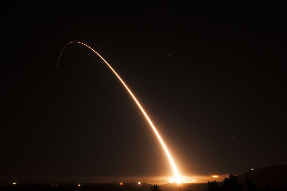 Οι ΗΠΑ «απαντούν» στη Ρωσία: Αυτός είναι ο νέος διηπειρωτικός βαλλιστικός πύραυλός τους