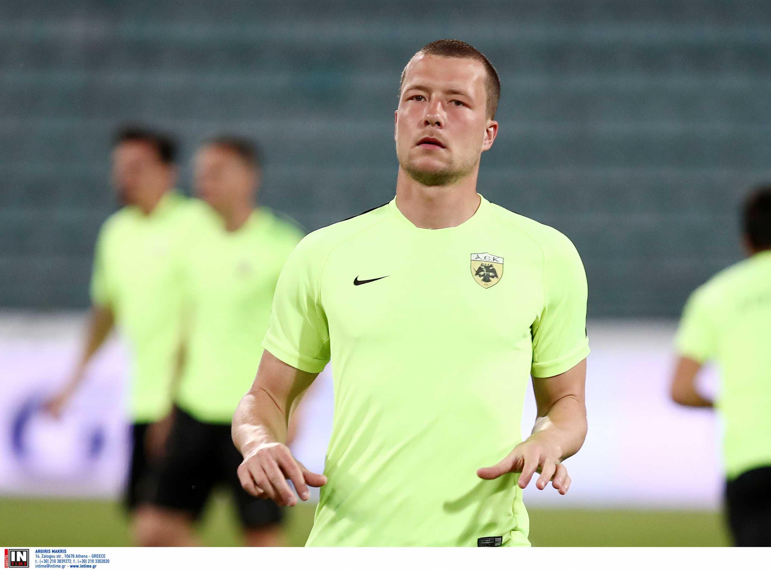 Ο πρώην άσος της ΑΕΚ Γιάκομπ Γιόχανσον αποσύρθηκε από το ποδόσφαιρο σε ηλικία 31 ετών